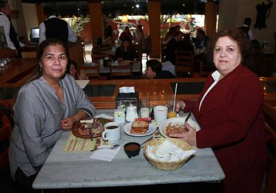 Rosario Martínez y Paty Cisneros.