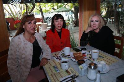 Bety, Dolores y Norma.