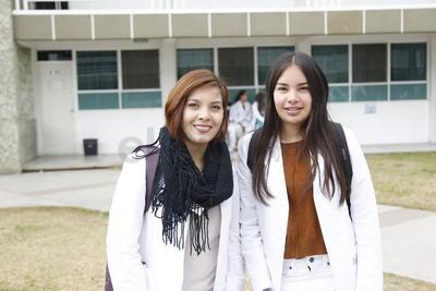 Karolina y Lizbeth.