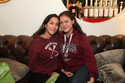 Mariana y Fernanda.