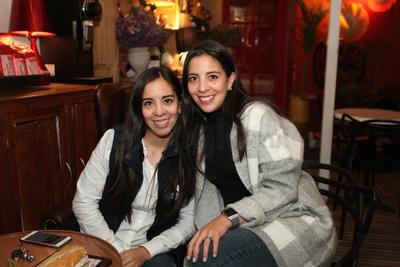 Paola y Tania.