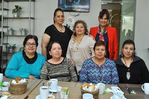 17022018 FESTEJO ENTRE AMIGAS.  Mayela Lozoya de Corpus en su celebración de cumpleaños en conocido restaurante de la localidad.