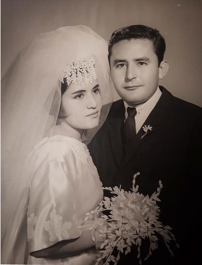 18022018 Irma Rangel Martínez y Mario Arrenquín Pérez el día de su boda el 27 de diciembre de 1967 en la Catedral del Carmen en Torreón, Coahuila.