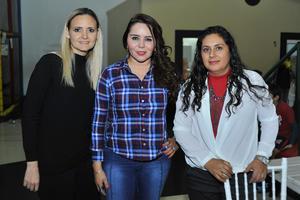 Ivonne, Tania y Palmira
