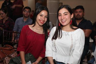 Andrea y Vanessa.
