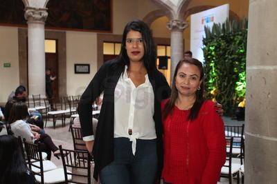 Carolina Vázquez y Tere Meraz.