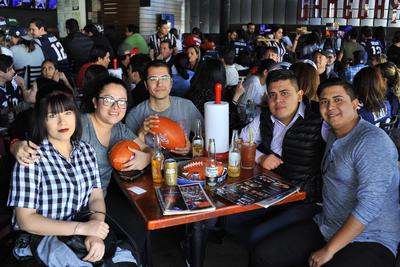 22022018 Marce, Karla, Alfredo, Antonio y Daniel.