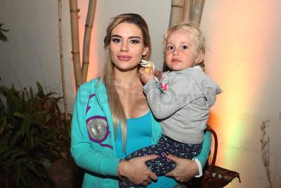 Karina Monroy y Katerina.