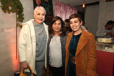 Virginia Alvarez Tostado, Magdalena Trejo y Georgina Garduño.