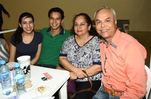 24022018 Beatriz Alcalá, Miguel Antonio Chong, Gaby Ramos y Dr. Chong.