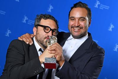 Los mexicanos Alonso Ruizpalacios y Manuel Alcalá triunfaron en el Festival de Cine de Berlín -Berlinale- con el Oso de plata a Mejor Guión por la cinta Museo.