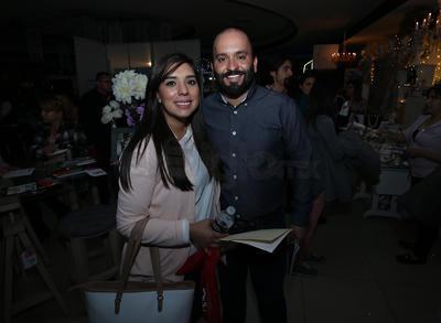 Anahí y Chava.