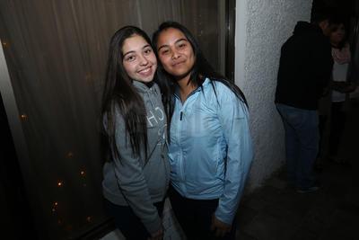 Nicole y Jazmín.
