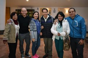 22022018 MUY CONTENTOS.  María Elena, David, Dafne, Eddie, Mary y Eduardo.
