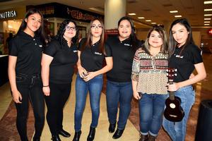 03032018 Paola, María Alejandra, Flor María, María Fernanda y Malina.