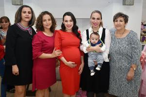 03032018 FIESTA DE CANASTILLA.  Norma María García de Alba con Conchis, Yuli, Jazmín, Patricio y Lucero.