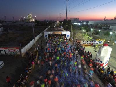 Un total de 5 mil 650 atletas se reunieron desde temprana hora en el corazón del Parque Industrial Lagunero de Gómez Palacio.