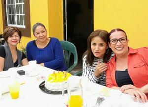 04032018 FESTEJA SU CUMPLE.  Erika Rodríguez con Nancy, Isela y Luz.