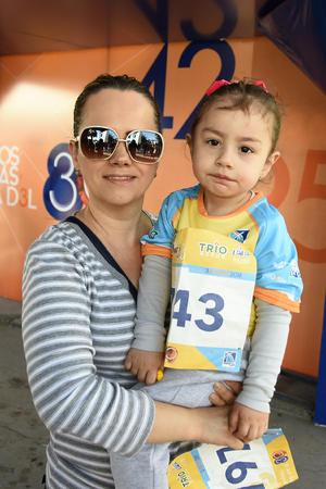 04032018 Ángeles y Camila.