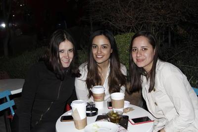 Liz, Diana y Ale.