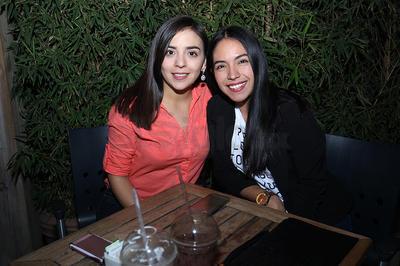 Regina y Karla.