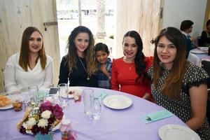 07032018 FIESTA DE CANASTILLA.  Norma María con Ana Victoria, Alma, Joaquín y Montse.