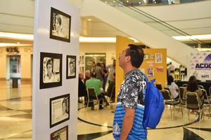 08032018 Los asistentes admiraron la exhibición.
