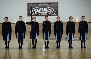 08032018 DESTACADA PARTICIPACIóN.  En días pasados, se realizó el Tercer Concurso de Escoltas de Bandera en las categorias de Primaria y Secundaria, en el cual resultaron ganadoras del Primer lugar la Escolta de Secundaria y Segundo lugar la Escolta de Primaria del Instituto Británico de Torreón.