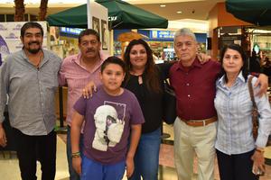 08032018 Manuel, Esteban, Martha, Ángel, Mercedes y Rodrigo.
