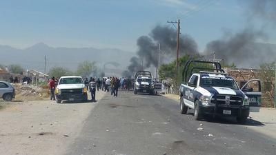 Bloquearon la vialidad en protesta contra la instalación de una fábrica de cianuro de sodio en el poblado El Siete.