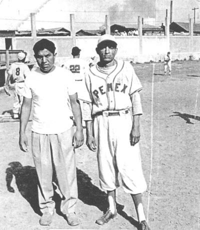 11032018 Rubén Saucedo Limón y Óscar Marín en el equipo de beisbol de Ventas Pemex.