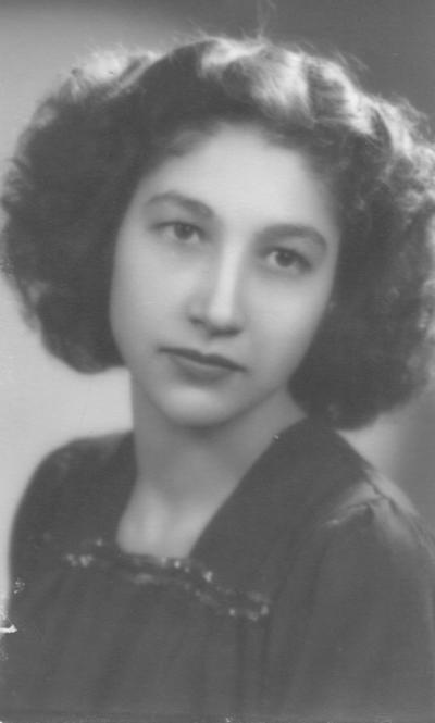 11032018 María Esther Pimentel Correa a los 18 años de edad.
