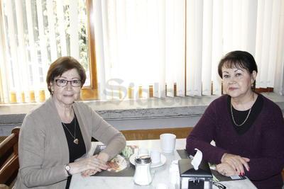 Marielena y Lupita.