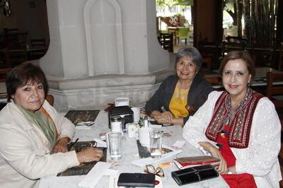 Bety, Leonor y Conchita.