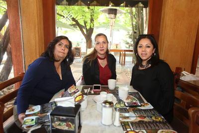 Sandra, Lorena y Marce.