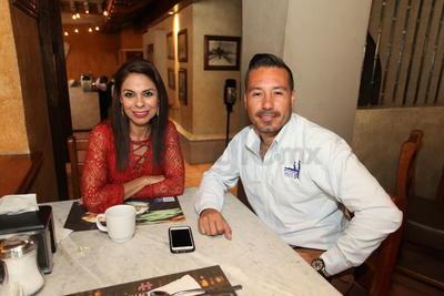 Arlina Adame y Paco Rueda.