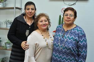 14032018 ENTRE AMIGAS.  Lupita, Mayela y Martha.