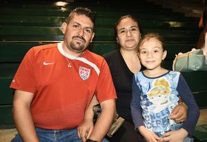 14032018 Irvin Muñoz Martínez, Lily y Nicole.