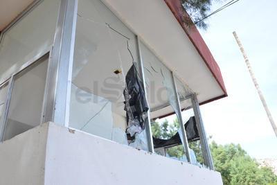 Los daños a las instalaciones del Complejo Deportivo y Cultural La Jabonera se incrementan por la falta de vigilancia. (FERNANDO COMPEÁN)