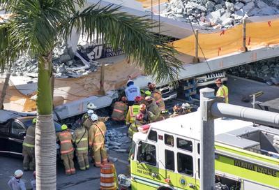 El Departamento de Bomberos de Miami llegaron con recursos adicionales para la operación de rescate.