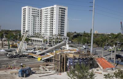 Hasta el momento por lo menos 8 personas fueron trasladadas al centro de trauma en el Kendall Regional Medical Center, reportó The Miami Herald.