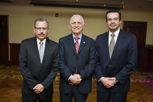 16032018 RECIENTE EVENTO.  Dr. Gustavo Cervantes, Dr. José Guillermo Milán y Dr. Armando Magaña.