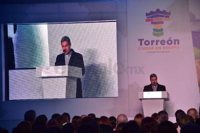 En el evento previo a la inauguración, el obispo de Torreón, Luis Martín Barraza, dirigió unas palabras.