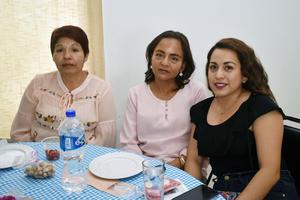 20032018 Esther, Karla y Yamel.