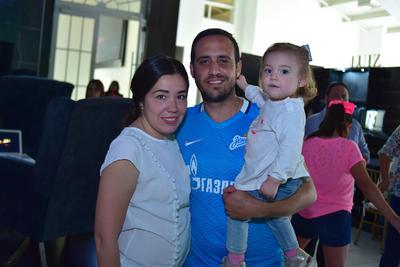 22032018 Cecy, Luis y Lia.