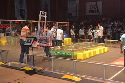 Los robots fueron fabricados en un periodo de seis semanas, tal y como la marca el reglamento de la eliminatoria.