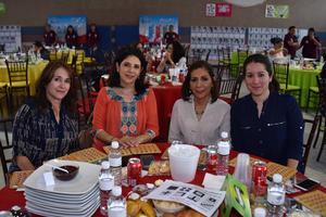 23032018 EN EL BINGO DEL HECAT.  Alejandra, Cecilia, Lucía y Ana Lucía.
