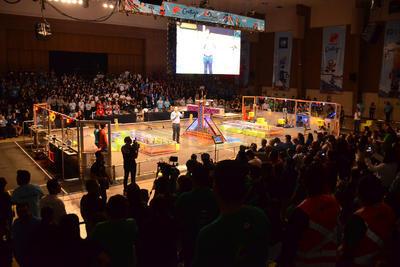 Participan más de 2 mil jóvenes de secundaria y preparatoria distribuidos en 42 equipos de 16 estados de la República Mexicana.