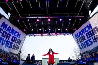 Al rally se unieron celebridades como Demi Lovato.