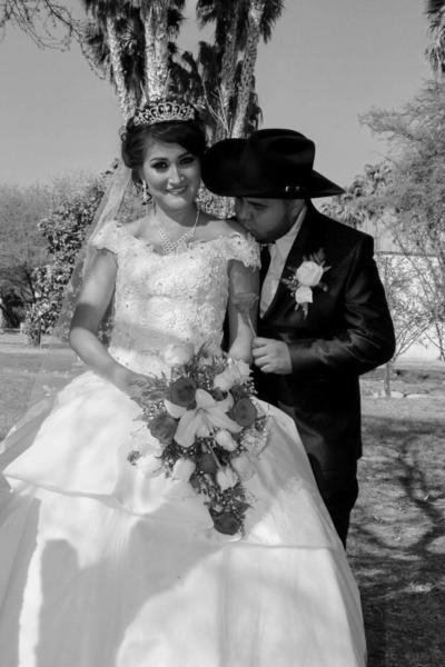 25032018 Rosa Isela y Jorge Armando.